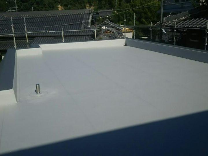 陸屋根の塩ビシート防水工事